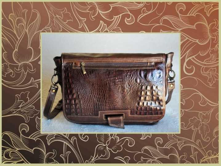 1750CR Leather bag, suitable for laptop, crocodile printed style, zipper